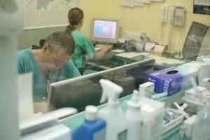 69 proc. lekarzy deklaruje, że zredukuje czas pracy
