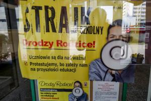 Sejmowe komisje przeciwko wypłacaniu nauczycielom pensji za czas strajku
