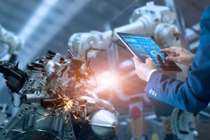 Człowiek i robot na rynku pracy rywalami? Niekoniecznie