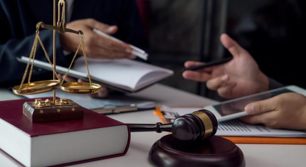 Będą podwyżki dla pracowników sądów i prokuratur