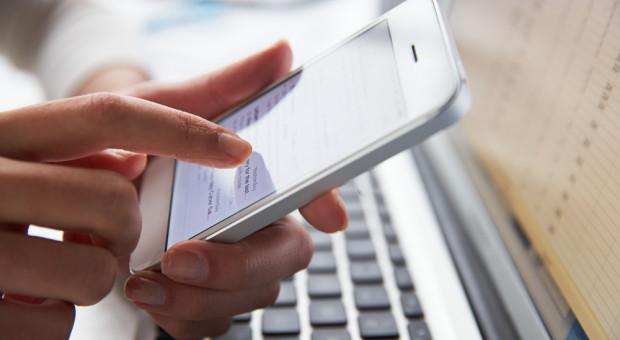 Służbowy smartfon to już norma. Nie tylko z niego dzwonimy