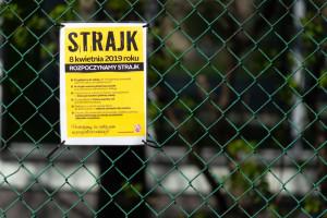 Strajk nauczycieli. Ruszyły wypłaty ze społecznego funduszu strajkowego