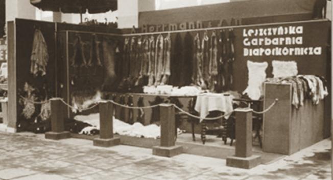Firma rodzinna podczas targów (fot. archiwum prywatne)