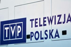 Pensje w TVP rosną. lle zarabia Jacek Kurski?