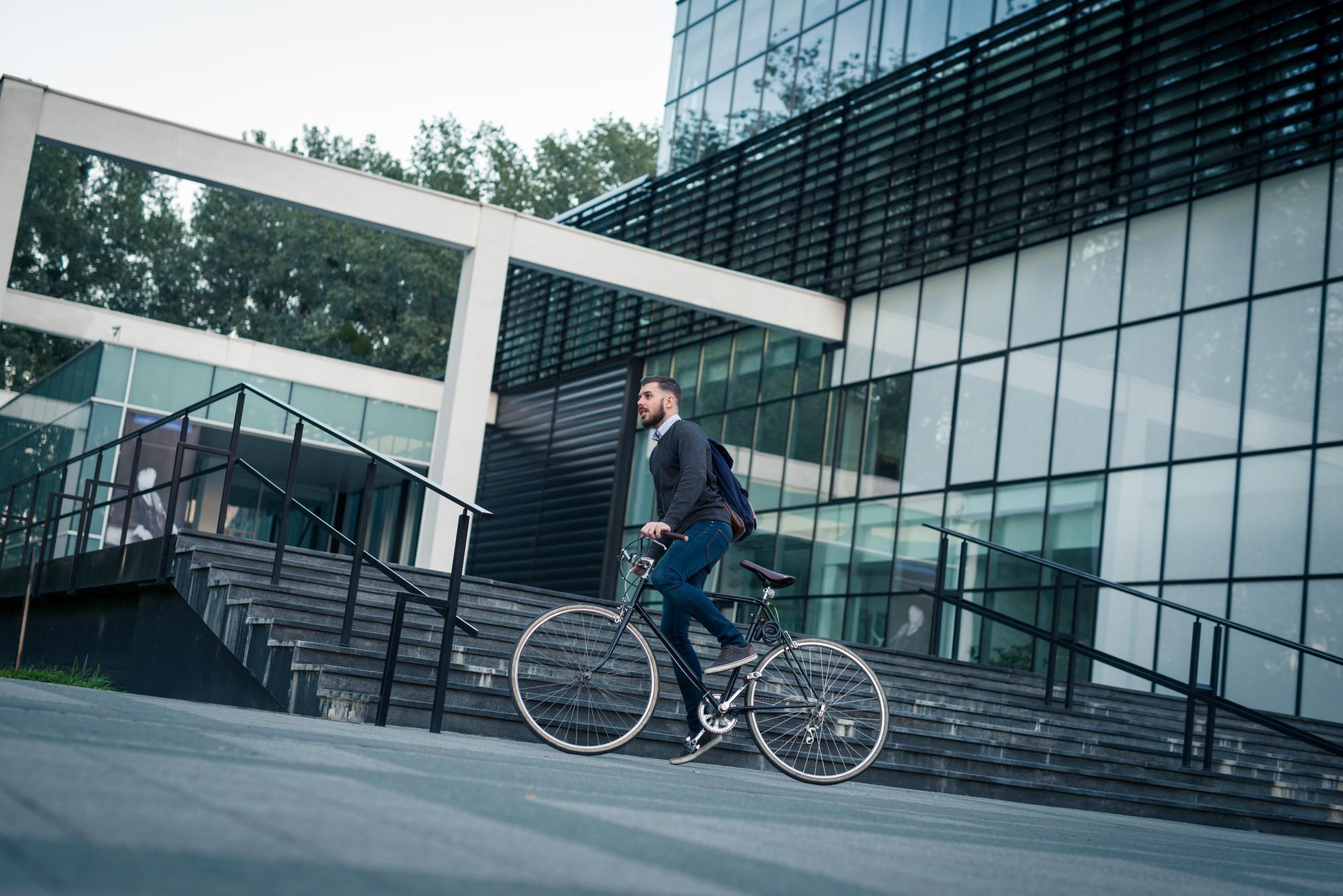 Fundacja Allegro All For Planet zaprasza nie tylko duże, ale też małe i średnie firmy do wypełniania deklaracji #RowerowyPracodawca. (Fot. mat. pras.)