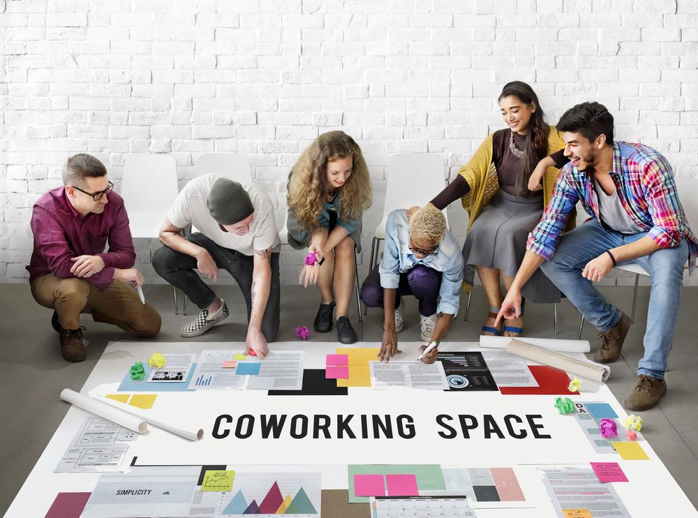 Eksperci ABSL szacują, że w roku 2020 zatrudnienie przekroczy poziom 340 tys. pracowników. Mnogość ofert pracy przekłada się na zwiększoną rotację w firmach. (Fot. Shutterstock)