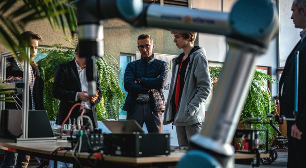 Łodź. Technikum Automatyki i Robotyki z uprawnieniami szkoły publicznej