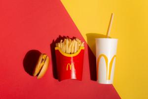McDonald's rekrutuje w Zatorze. Jaką pensje oferuje?
