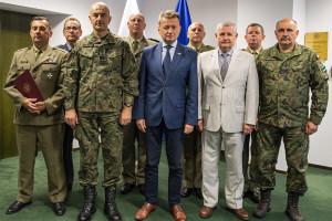 Nowi oficerowie w Wojsku Polskim. Minister wręczył nominacje