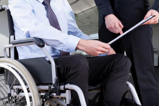 Zatrudnianie niepełnosprawnych w budżetówce? Kontrola NIK nie pozostawia złudzeń