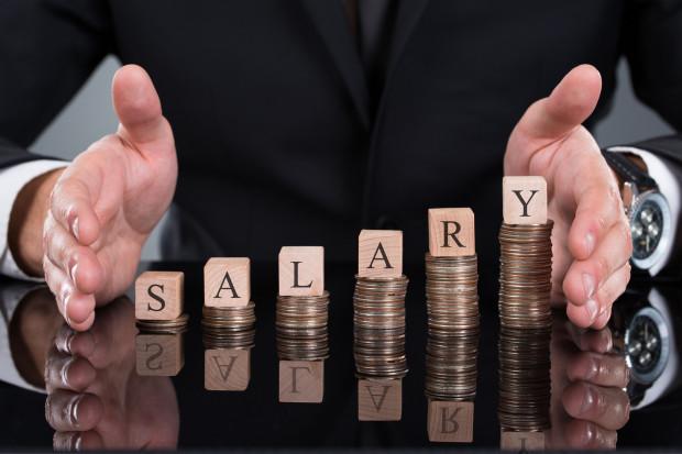 Coraz bliżej wyłączenia z wynagrodzenia dodatku stażowego. Czyje pensje pójdą w górę?