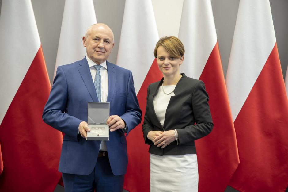Na zdjęciu prezes Leszek Gierszewski i minister przedsiębiorczości Jadwiga Emilewicz (fot mat. pras.)
