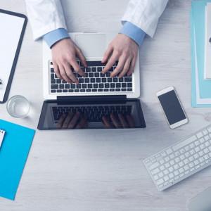 Asystenci medyczni mogą wystawiać e-recepty. Ustawa o e-zdrowiu uchwalona