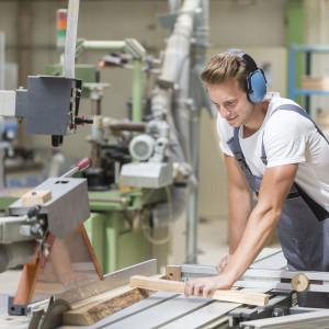 Kształcenie zawodowe wróci do łask? Brakuje specjalistów w wielu branżach