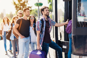 Coraz więcej cudzoziemców przyjeżdża za pracą do Polski