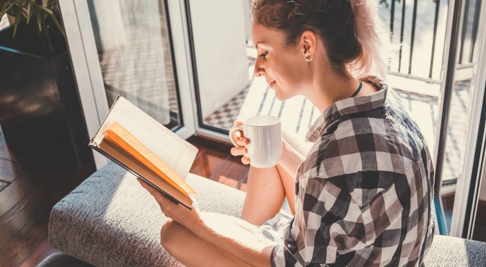 """Co czytają menadżerowie podczas urlopu? """"Zawodowe"""" książki są rzadkością"""