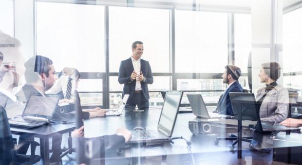 Menedżerowie krytycznie o służbowych spotkaniach. Są zbyt czasochłonne i nieefektywne
