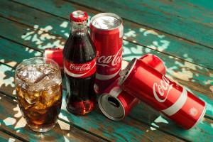 Coca-Cola szuka przedstawicieli handlowych. Rusza z nową kampanią wizerunkową