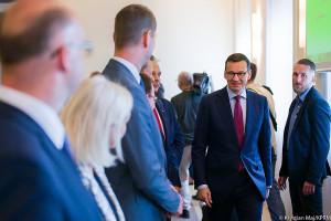 Premier Morawiecki założył konto na Facebooku