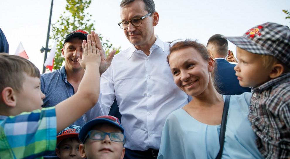 Morawiecki: Zwalniając młodych z PIT pokazujemy, że chcemy ich w kraju