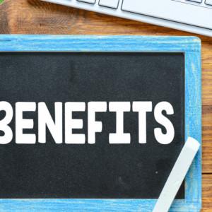 Większość pracowników pozytywnie ocenia pracodawców i ... wymaga od nich więcej