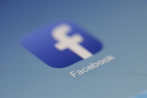 Facebook odda użytkownikom aplikację do kontroli danych użytkownika