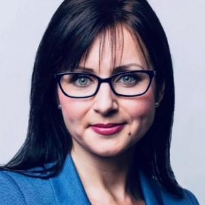Ellina Lolis awansuje w Grupie JF Hillebrand