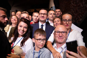 Morawiecki: Polacy muszą zarabiać po europejsku