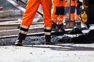 UOKiK podejrzewa dwie firmy o zmowę przy przetargach drogowych