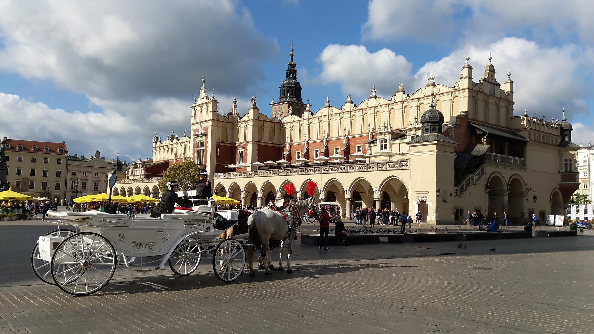 Memorandum i debata w Krakowie zaproponowały kilka rozwiązań, które mogą usprawnić sytuację legalizacji pobytu obcokrajowców w Polsce. (fot. pixbay.com)