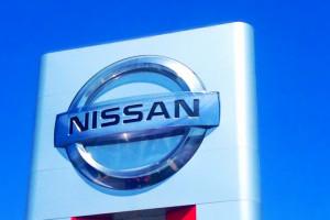 Szef Nissana otrzymał podejrzane wynagrodzenie od swoje firmy; zapowiedział, że zwróci pieniądze