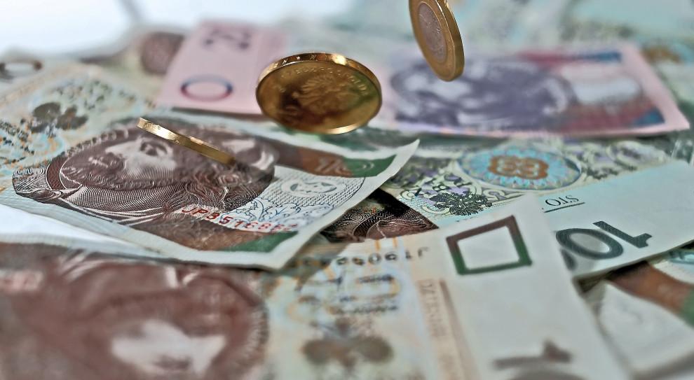 Kaczyński: na koniec 2020 r. minimalna pensja wyniesie 3 tys. zł; na koniec 2023 r. - 4 tys. zł