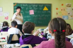 1000 zł podwyżki dla nauczycieli. Trwa wyborczy wyścig na pensje