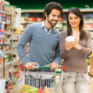 Większy ruch w sklepach w soboty problemem dla klientów i pracowników