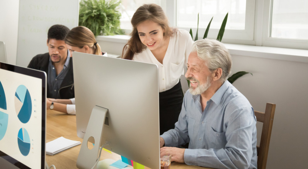 Młodych mniej, starszych więcej. Jak firmy poradzą sobie z tym wyzwaniem?