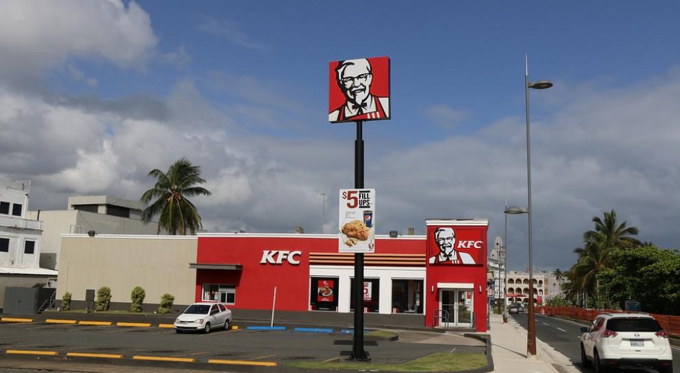 KFC szuka pracowników. Z szansą na pracę młode matki i osoby 50+