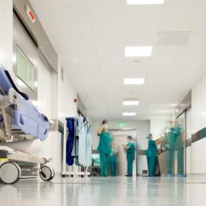 1,2 tys. zł miesięcznie dla przyszłych pielęgniarek i położonych. Województwo kusi stypendiami