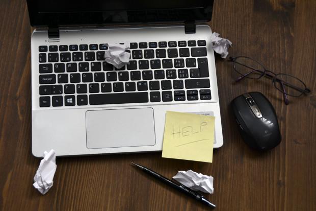 Lukę w rynku pracy IT załata szkolenie online? To możliwe