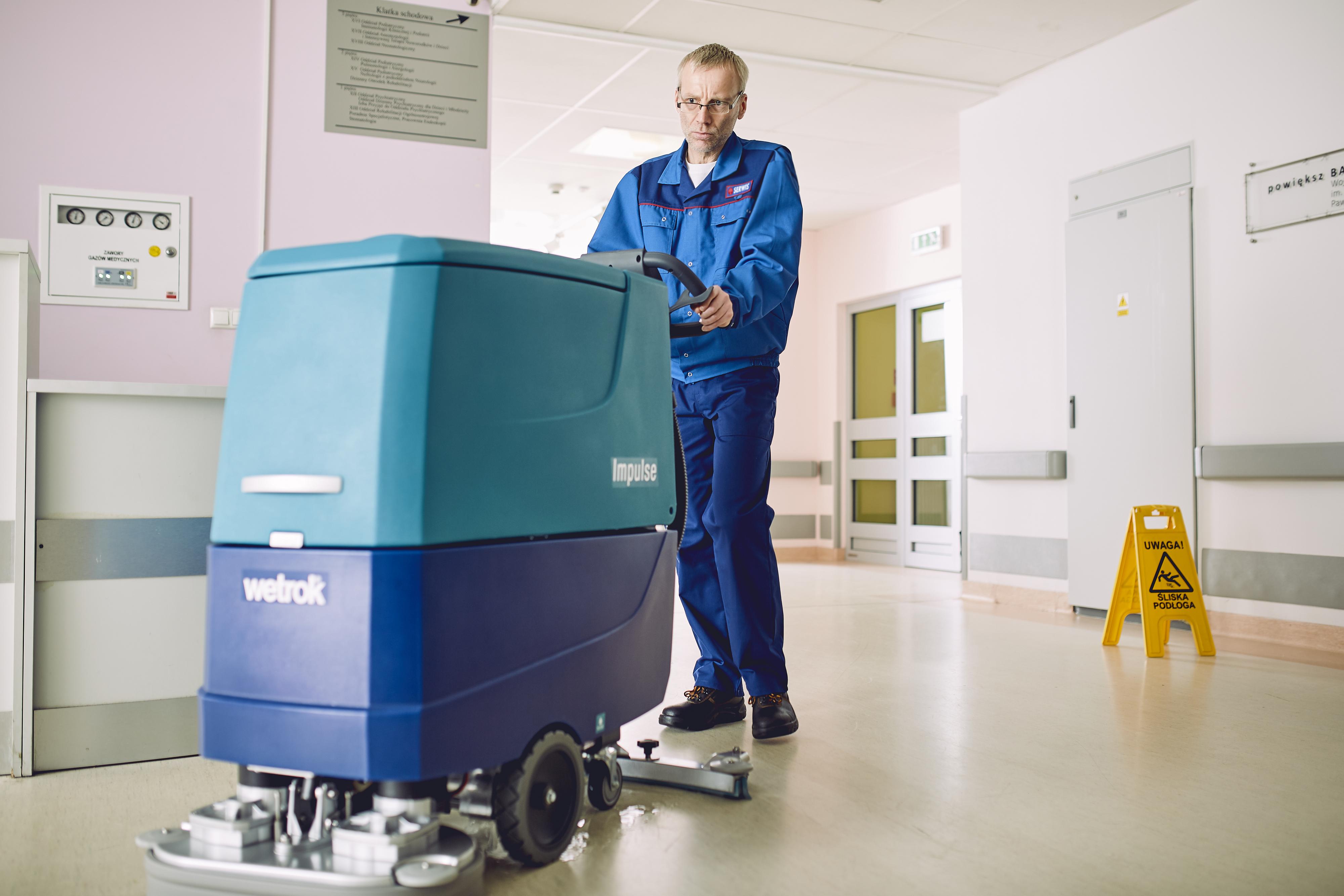 Co pół roku szkołą współpracującą z Sanpro będzie opuszczać 100 wykształconych według polskich i europejskich standardów pielęgniarek gotowych do pracy. (fot. materiały prasowe)