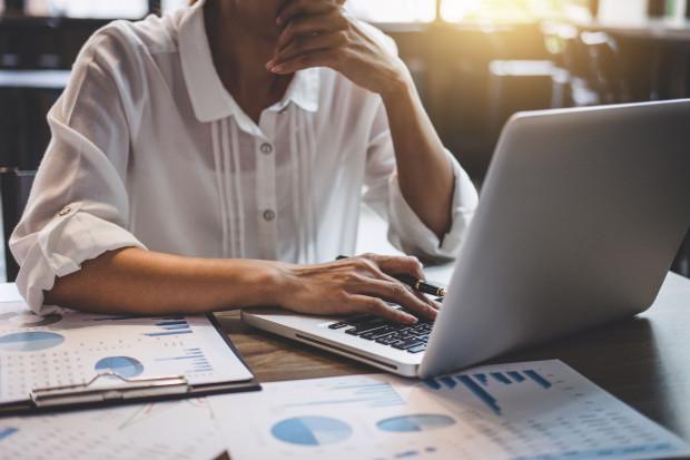 Praca z domu może być groźna dla firmy