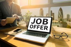 Nowa praca w 24 godziny? Kolejna firma stawia na szybką rekrutację