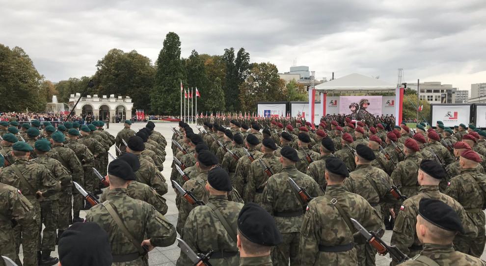 """Mariusz Błaszczak zapowiada kolejne podwyżki. """"Żołnierze muszą być godnie wynagradzani"""""""