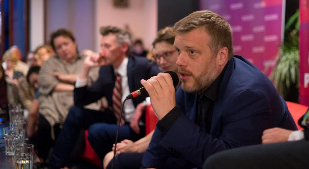 Zandberg: Wprowadzimy 3,5 tys. zł na start w budżetówce