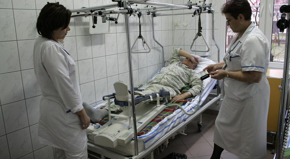 Łowicz doczekał się efektów powiatowego programu stypendialnego dla studentów medycyny