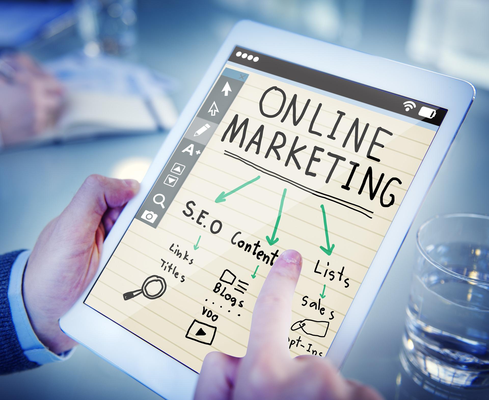 Wzrasta liczba profesji związanych z marketingiem online (fot. shutterstock)