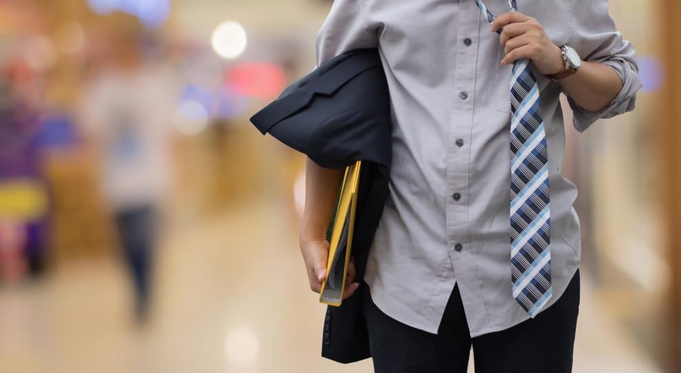 Menedżer często odchodzi od dotychczasowego pracodawcy z przekonaniem, że bardzo szybko znajdzie nową pracę (Fot. Shutterstock)