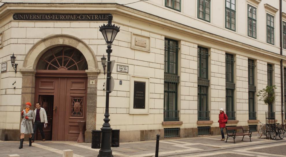 Uniwersytet Środkowoeuropejski uruchomił darmowy uniwersytet otwarty