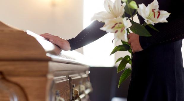 OPZZ walczy o podwyższenie zasiłku pogrzebowego