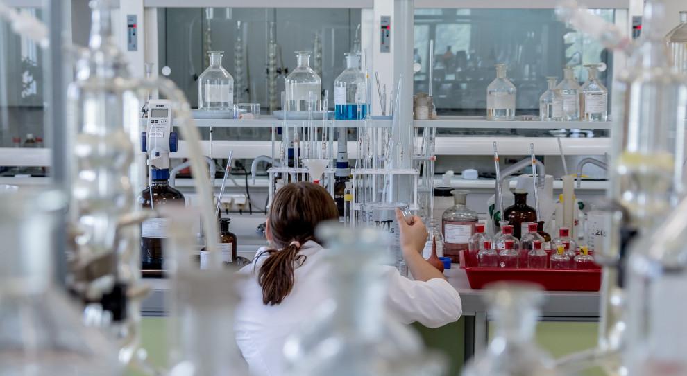 Prezes KRDL: Przez niskie wynagrodzenia grozi nam deficyt diagnostów laboratoryjnych
