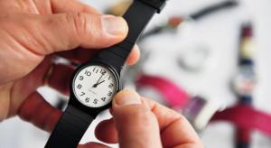 """Czas skończyć ze zmianą czasu? """"Wzywamy premiera, aby przestał być bezczynny"""""""